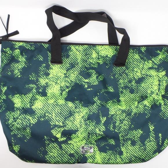 Under Armour Handbags - Under Armour Camo Tote Bag